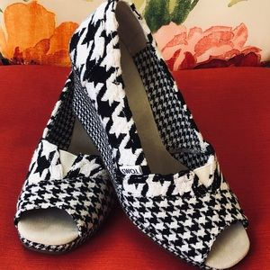 Toms Scottish Houndstooth Wedges Size 8 EUC!